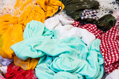 Quels textiles peuvent être lavés avec une lessive pour linge de couleur?