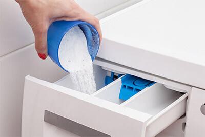 Poudre, liquide ou tablettes: quel est le meilleur type de lessive?