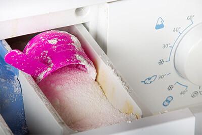 Comment empêcher la moisissure dans le bac à détergent?