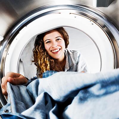 J'ai entendu dire que les adoucissants peuvent endommager le sèche-linge. Est-ce vrai?